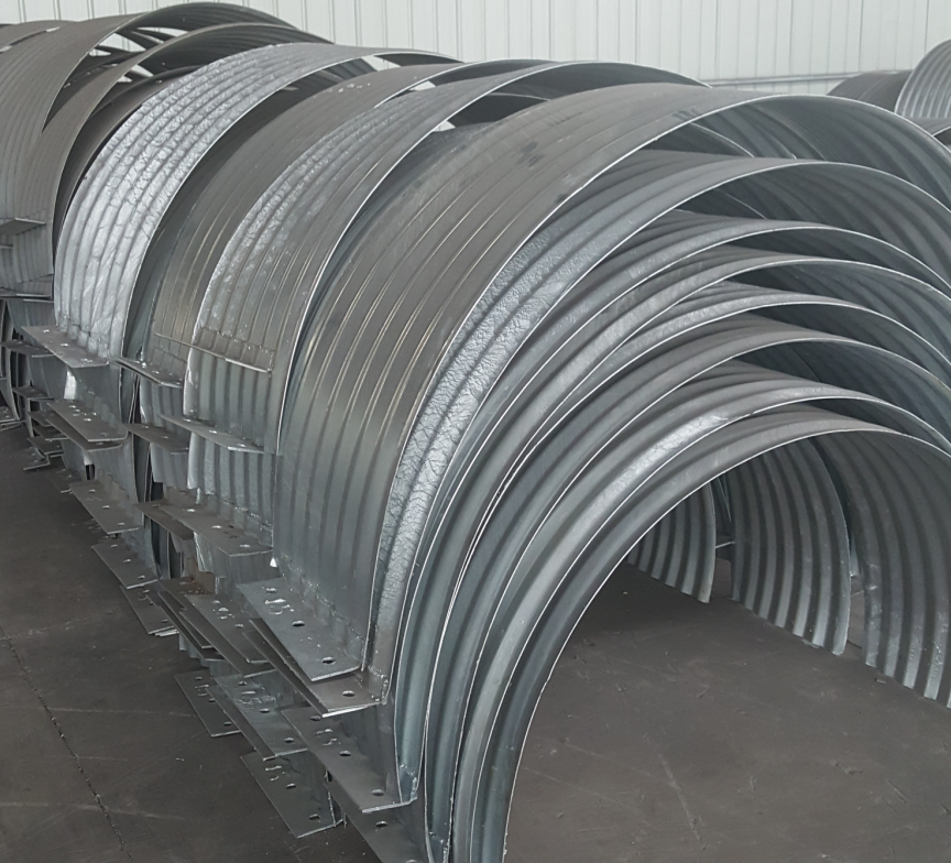 Connecting band for corrugated metal pipe